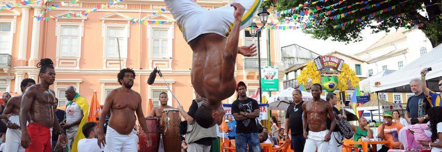 FOOT - COUPE DU MONDE - 2014 Feature, Capoeira im Stadtteil Pelourinho in Salvador Fussball, FIFA WM 2014 in Brasilien *** Local Caption ***