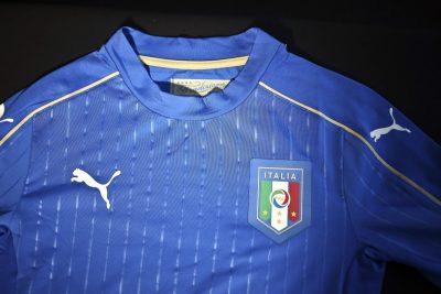 FOOT - 2015 11.11.15, Palazzo Vecchio, Firenze, presentazione PUMA nuova maglia nazionale Italiana - nella foto_la nuova maglia *** Local Caption ***