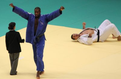 2010_World_Judo_Championships_-_Final_+100Kg_-_Riner_defeating_Tölzer
