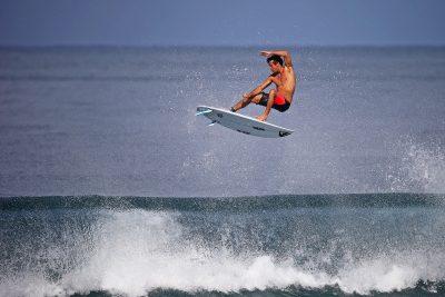 SURF - 2015 flores (jeremy) - (fra) -  *** Local Caption ***   Ambiance surf sur Pipeline, banzaï beach Ambiance plage, free surf et illustration sur le North shore de l'île d'Oahu à Hawaï