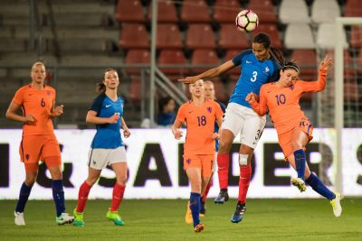 FOOT - MATCH AMICAL - 2017 (L-R) Anouk Dekker of The Netherlands, Gaetane Thiney of France, Jacky Groenen of the Netherlands, Wendie Renard of France, Danielle van de Donk of the Netherlandsduring the friendly match between the women of Netherlands and France at the Galgenwaard Stadium on April 07, 2017 in Utrecht, The Netherlands