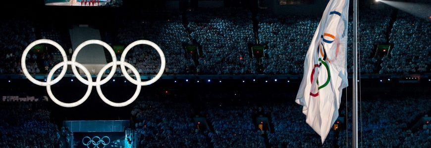 OMNISPORTS - JO 2010 - CEREMONIE D'OUVERTURE - Olympische Ringe Olympische Flagge die sich nicht oeffnet - Olympische Winterspiele Vancouver 2010 Eroeffnungsfeier