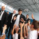 Kylian Mbappé n'oublie pas Bondy pour la joie des Kids ! ( + Vidéo )